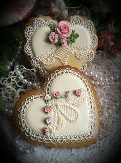 Lovely lace and roses ivory hearts by Teri Pringle Wood - Valentines Day Mother's Day Cookies, Valentines Day Cookies, Fancy Cookies, Heart Cookies, Iced Cookies, Cute Cookies, Cupcake Cookies, Sugar Cookies, Christmas Cookies