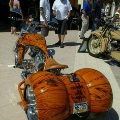 I'll take 2 wheels on my bike but this is one Bad bad trike 3 Wheel Motorcycle, Bagger Motorcycle, Motorcycle Style, E Quad, Harley Davidson Trike, Custom Street Bikes, Custom Trikes, Assurance Auto, Chopper Bike