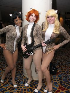 Absolutely groovy Josie and the Pussycats from DragonCon 2012