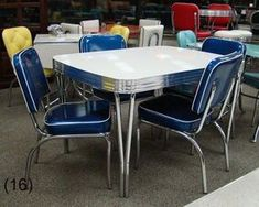 COOL Retro Dinettes | 1950's Style | Canadian Made Chrome Sets Retro Table And Chairs, Retro Kitchen Tables, Retro Dining Rooms, Retro Dining Table, Rustic Kitchen, Country Kitchen, Vintage Kitchen, Dining Chairs, Retro Furniture