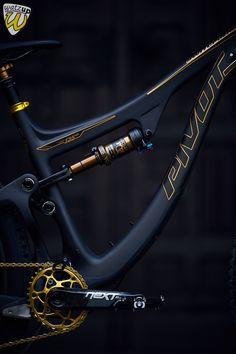 Pivot Switchblade Sram Eagle Chris King, Tune King Kong, Hope Ibis Carbon, Race Face Next Carbon, Fox 36 Mountain Biking, Mens Mountain Bike, Velo Design, Bicycle Design, Mt Bike, Road Bike, Bmx Bicycle, Fully Bike, Blog Tips