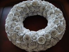 Tutorial - Book Page Roses and Wreath