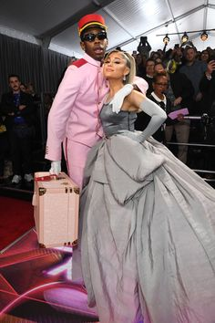 Photo of Tyler, the Creator and Ariana Grande at the 2020 Grammys Ariana Grande Fotos, Ariana Grande Grammys, Pretty People, Beautiful People, Beautiful Pictures, Tyler The Creator Wallpaper, Tyler The Creator Merch, Tyler The Creator Outfits, Ariana Grande Wallpaper