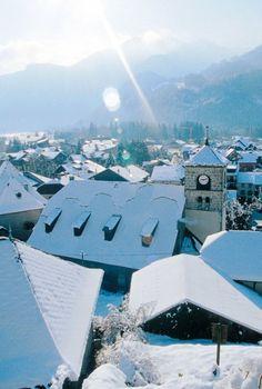 Haute-Savoie : Samoëns. A visiter avec les Guides du Patrimoine des Pays de Savoie. http://www.gpps.fr/Guides-du-Patrimoine-des-Pays-de-Savoie/Pages/Site/Visites-en-Savoie-Mont-Blanc/Faucigny/Vallee-du-Giffre/Samoens-Bourg-et-villages