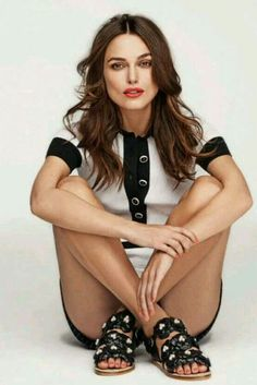 Keira Knightley for Elle UK Estilo Keira Knightley, Keira Knightley Hair, Keira Christina Knightley, English Actresses, British Actresses, Hollywood Actresses, Keira Knightley Instagram, Imitation Game, Collateral Beauty
