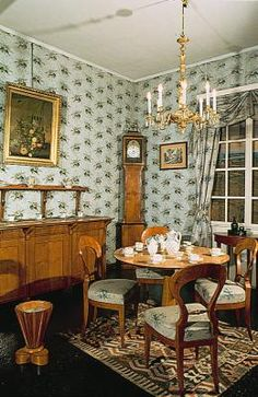 Biedermeier: Dining Room