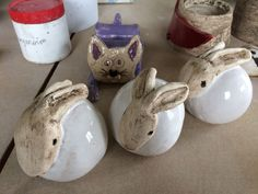 Excellent Photographs easter Pottery Ideas Tips Decoration ideal to add to egg gourds Pottery Animals, Ceramic Animals, Clay Animals, Ceramic Bowls, Ceramic Pottery, Ceramic Art, Pottery Courses, Pottery Tools, Pottery Ideas