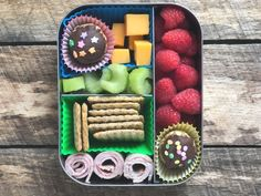 Need easy, kid-friendly lunch box recipes? Check out these simple, nourishing recipes your kids will love having in their lunch. Easy Lunch Boxes, Lunch Box Recipes, Lunchbox Ideas, Ham And Cheese Pinwheels, Nut Free Snacks, Veggie Nuggets, Fruit Roll Ups, Peanut Butter Oatmeal, Food Challenge