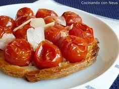 Tarta de hojaldre con tomates cherrys