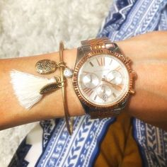 Micheal kors MK5735 women's watch ✨ MK5735 Features: -Case and bracelet material: Stainless steel.-Movement type: Quartz.-Gender: Women.-Scratch resistant.-Water resistant: 10 ATM - 100 Meters (330 Feet). Color/Finish: -Dial color: White. BRAND NEW. NEVER WORN & SUPER GORGEOUS... Please NO trades/PayPal  THANKS FOR ALL THE OFFERS BUT PRICE IS FIRM ON THIS LISTING & big thanks for stopping by  love ya girls xx Michael Kors Jewelry