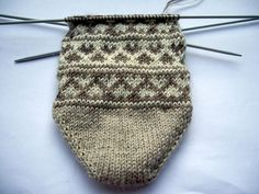 Three facts about the intended recipient of these socks: She gets cold feet quite a lot Her favourite colour is brown. Knitting Socks, Knitted Hats, Knit Socks, Cold Feet, Fair Isle Pattern, Patterned Socks, Mittens, Favorite Color, Elsa