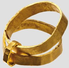 Double finger ring, roman, 1st - 3rd century.  Simple rings of gold plate, connected by a sleeve made narrower gold sheet. Such multiple rings with two or three members have been manufactured specifically for Funeralgebrauch.