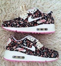 Nike Women's Air Max Essential Running Shoe