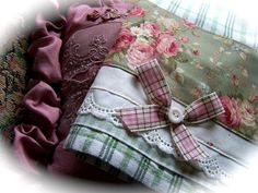 So pretty. Just adore this rose print fabric, bow and lace. Shabby Chic romantic tea towel