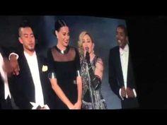"""Katy Perry sobe ao palco e dança com Madonna em show da """"Rebel Heart Tour"""" #KatyPerry, #Madonna, #Pop, #Show http://popzone.tv/2015/10/katy-perry-sobe-ao-palco-e-danca-com-madonna-em-show-da-rebel-heart-tour/"""