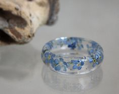 Ring of forget-me-not and Eco-epoxy resin, forget-me-ring, forget-me-not. Infinity Ring. Wedding ring. Ring terrarium