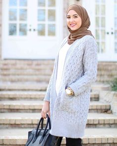 """Casual today in my current favorite chunky sweater (I love that it's long!) and mocha hijab by @voilechic ✨ Get my outfit details by signing up with @liketoknow.it and """"liking"""" this photo, you'll get an email with links to shop! www.liketk.it/25H1K #liketkit"""