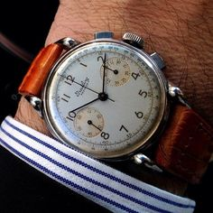 i wish i had an old watch like this.