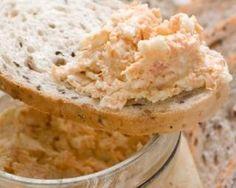 Rillettes aux deux saumons : http://www.fourchette-et-bikini.fr/recettes/recettes-minceur/rillettes-aux-deux-saumons.html