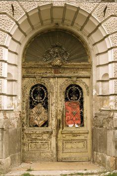 Oradea Romania Art Nouveau Architecture, Austro Hungarian, Door Knockers, Bulgaria, Gates, Barcelona Cathedral, Countries, Wonderland, Lost