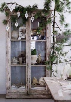 10-Scandinavian-Christmas-Decorating-Ideas.jpg 445×640 pixels