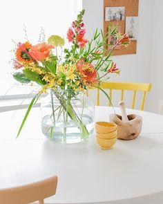 Het is tijd voor een wist-je-datje op woensdag! Doe jij altijd een druppeltje chloor in het water? Dan ben je goed bezig. Chloor geeft bacteriën minder kans om te groeien en houdt het water dus langer schoon. En dat maakt jouw bloemen weer gelukkig! #tipopwoensdag #wistjedatje #happyflowers