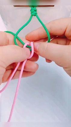 Diy Bracelets Patterns, Diy Bracelets Easy, Woven Bracelets, Handmade Bracelets, Diy Crafts Hacks, Diy Crafts Jewelry, Diy Crafts For Gifts, Bracelet Crafts, Basic Hand Embroidery Stitches