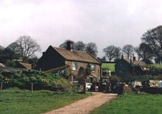£12pppn Thorpe Farm Bunkhouses, Hathersage, Derbyshire. This has an ice-cream farm onsite!