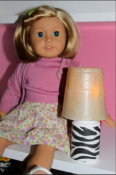 39 American Girl Doll DIYs That Won't Break The Bank Because who can afford to buy the real deal? American Girl House, American Girl Crafts, American Girl Clothes, Girl Doll Clothes, Girl Dolls, Ag Dolls, Barbie Clothes, American Dolls, Boy Doll