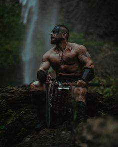 Creative Portrait Photography, Creative Portraits, Lifestyle Photography, Portrait Photographers, Fashion Photography, Men's Renaissance Costume, Viking Cosplay, Pagan Tattoo, Viking Men