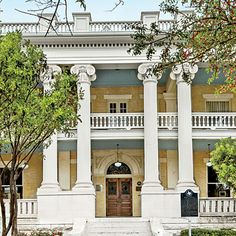 Hotel Ella - The South's Best New Hotels 2014 - Southern Living Visit Austin, Austin Tx, Austin Motel, Texas Bucket List, Southern Living, Southern Charm, Student House, Stay The Night, Historic Homes