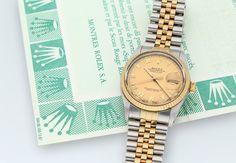 Rolex DATEJUST – sportlich und elegant  Die Rolex DATEJUST steht für zeitlose Eleganz und das schon seit ihrer Einführung im Jahre 1945. An der nächsten Rapp-Auktion für Uhren & Schmuck im Angebot: Herrenarmbanduhr Rolex DATEJUST OYSTER PERPETUAL 36 mm, Edelstahl, Gelbgold mit Plexiglas.