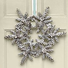 This white Snowy Pinecone Wreath from Southern Living would look awesome on my red front door! {wreath for January} Crafts Snowy Pinecone Wreath Pine Cone Crafts, Wreath Crafts, Diy Wreath, Christmas Projects, Holiday Crafts, White Wreath, Wreath Ideas, Christmas Ideas, Acorn Crafts