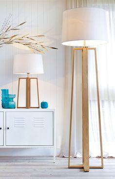 Copenhagen Scandinavian inspired 1 light floor lamp in teak.