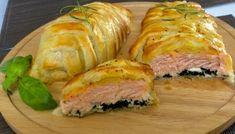 Łosoś ze szpinakiem i fetą, zapiekany w cieście francuskim Spanakopita, Sushi, Salmon, Food And Drink, Pork, Turkey, Blog, Meat, Baking