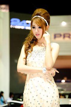 32nd Bangkok International Motor Show Booth Babes
