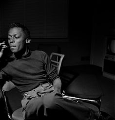"Miles Davis at his ""Miles Davis Quartet"" session of March (Francis Wolff © Mosaic Images LLC) Rhythm and Blues: The photographer behind Blue Note records that defined a label - The Washington Post Miles Davis, Jazz Artists, Jazz Musicians, Rhythm And Blues, Jazz Blues, Santa Monica, Francis Wolff, Nova Orleans, Mozart"