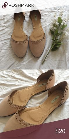 Urban Outfitters Pointed Flats Brand new without tags! Urban Outfitters Shoes Flats & Loafers