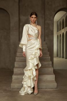 Elegant Dresses For Women, Pretty Dresses, Beautiful Dresses, Dress Outfits, Fashion Dresses, Dress Up, Dress Clothes, Couture Fashion, Runway Fashion