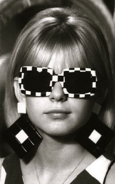 France Gall. Full of squares. In 1965.