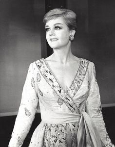Angela Lansbury The original Broadway production of Mame, Classic Hollywood, Old Hollywood, Auntie Mame, Maureen O'hara, Angela Lansbury, Old Movie Stars, British Actresses, Old Movies, Famous Faces