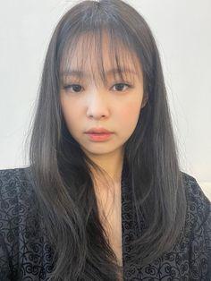 Kim Jennie, South Korean Girls, Korean Girl Groups, Rapper, Blackpink Icons, Lisa, Black Pink Kpop, Blackpink Photos, Pictures