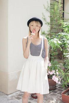 http://insidecloset.com/catalogue/inside-closet-shop-blondifox-vetements/jupe-rose.html