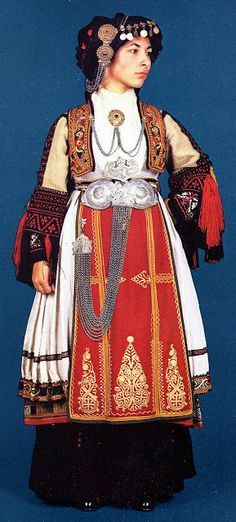 This women wears many different layers which is traditional when dressing in Greek folk costume. Notice how each of her garments are embroidered. Greek Traditional Dress, Traditional Fashion, Traditional Outfits, Folk Clothing, Historical Clothing, Greece Costume, Greek Dress, Empire Ottoman, Greek Culture