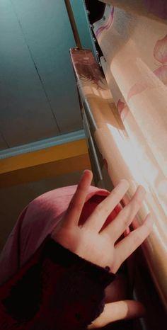 Couple Aesthetic, Aesthetic Photo, Aesthetic Girl, Aesthetic Pictures, Islamic Wallpaper Iphone, Galaxy Wallpaper, Modern Hijab Fashion, Street Hijab Fashion, Hijabi Girl