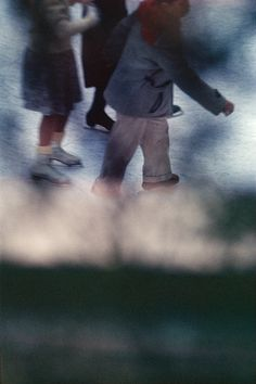 by Saul Leiter photography, Fitty one Fine Art Gallery Fotografía - Artistas Fine Art Photography Galleries, Contemporary Photography, Artistic Photography, Color Photography, Abstract Photography, Amazing Photography, Saul Leiter, Diane Arbus, Robert Frank