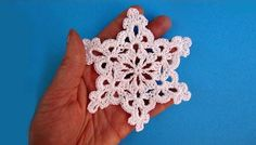 this is the tutorial i used for some of the snowflakes i made last year. How to crochet snowflake - Снежинка - Pattern for free - Вязание крючком Crochet Snowflake Pattern, Crochet Stars, Crochet Snowflakes, Crochet Motif, Easy Crochet, Crochet Flowers, Crochet Stitches, Double Crochet, Crochet Patterns