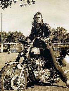 Rockstars's Garage: Lemmy Kilmister's Triumph T140 Bonneville - Classic and Custom - Motorcycle Sport Forum