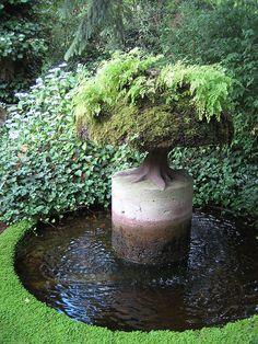 Little Garden Design .Little Garden Design Outdoor Water Features, Water Features In The Garden, Garden Features, Dream Garden, Garden Art, Garden Design, Fence Garden, Unique Gardens, Beautiful Gardens