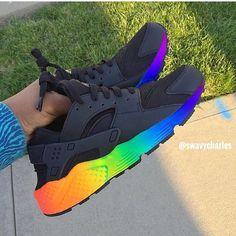 Love love love love love - Rubens D. - Schuhe - Best Shoes World Haraches Shoes, Nike Air Shoes, Hype Shoes, Shoes Style, Jordan Shoes Girls, Girls Shoes, Cute Sneakers, Shoes Sneakers, Souliers Nike